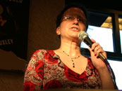 Jeanne Cavelos gives an inspiring speech to nervous writers at the Barnes & Noble slam
